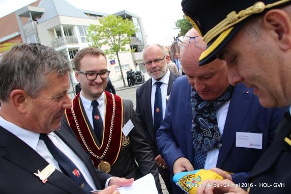 Samen met Ordegrootmeester Eddy, president van de confrerie gedeputeerde Carl Vereecke, member Frank Maertens al een volgende verrassingsreis aan het voorbereiden ?